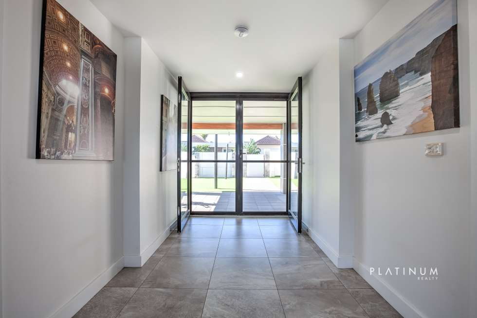 Fourth view of Homely house listing, 33 Beverley Crescent, Broadbeach Waters QLD 4218
