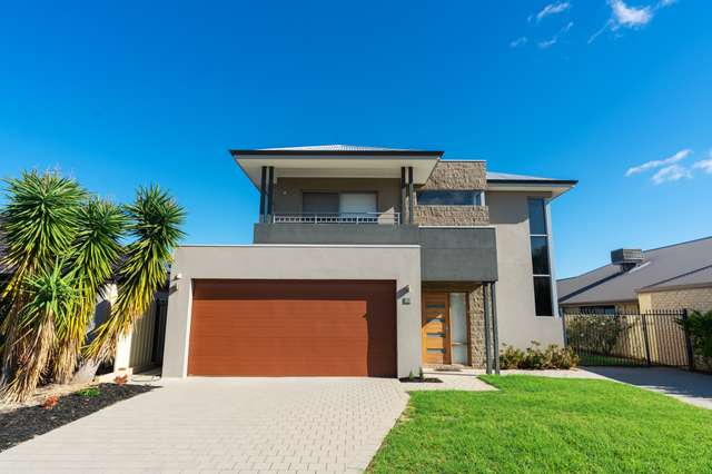 12 Tipperary Bend