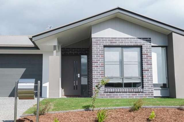21 Bellbird Crescent, Coomera QLD 4209