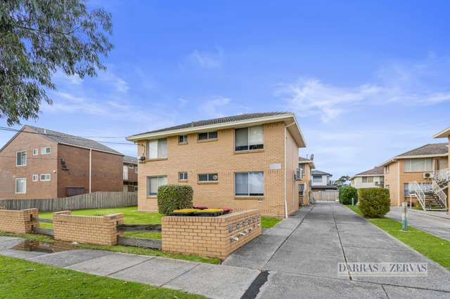 2/4 Browning Avenue, Clayton South VIC 3169