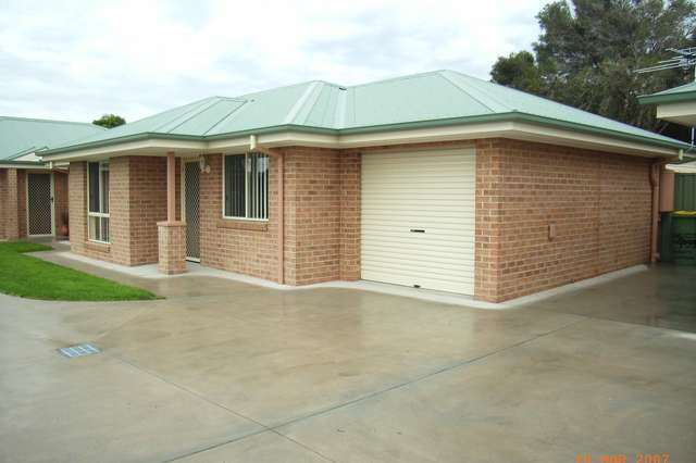 2/433 Prune Street, Lavington NSW 2641