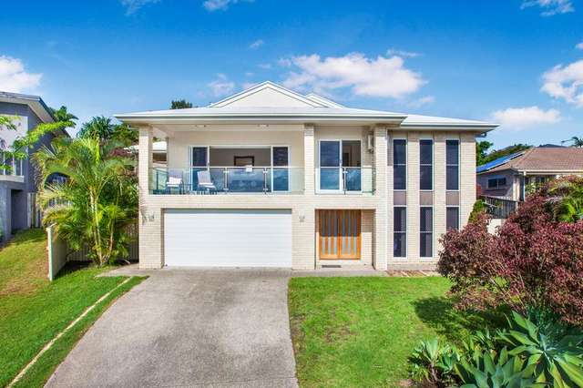 48 Hawkesbury Avenue, Pacific Pines QLD 4211