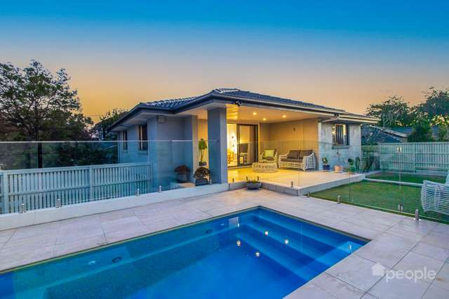 1 Trundle Street, Coorparoo QLD 4151