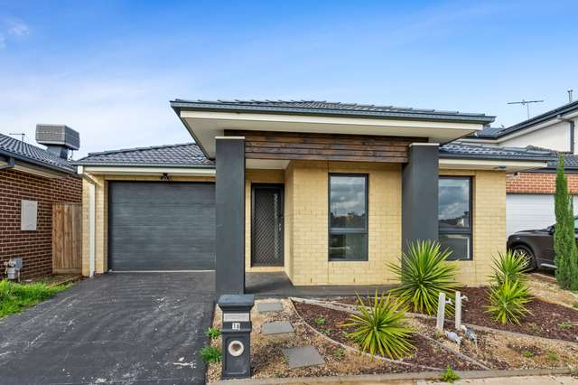 16 Gershwin Crescent, Point Cook VIC 3030