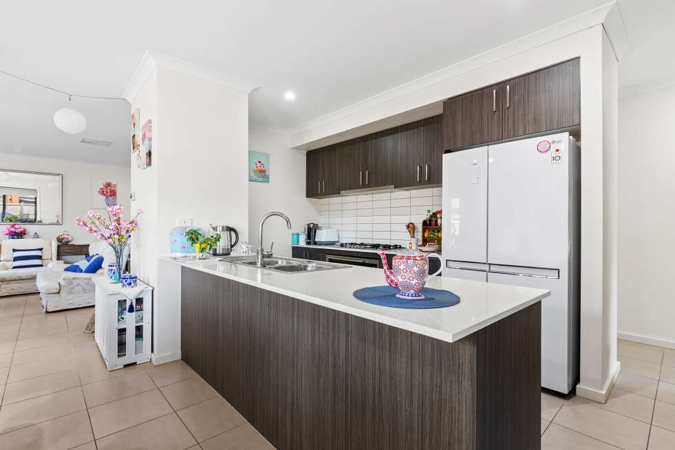 Second view of Homely house listing, 10 Rider Court, Tarneit VIC 3029