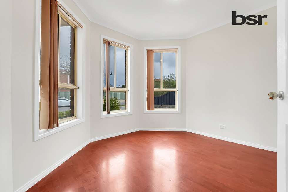 Fourth view of Homely house listing, 2 Hemar Crescent, Hillside VIC 3037