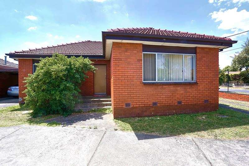 Main view of Homely unit listing, 1/13 Dover Street, Oakleigh East, VIC 3166