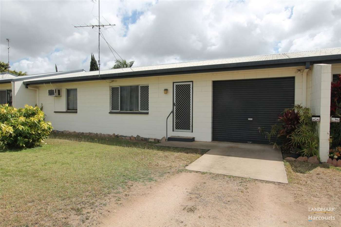 Main view of Homely unit listing, 2/20 Parker Street, Ayr QLD 4807