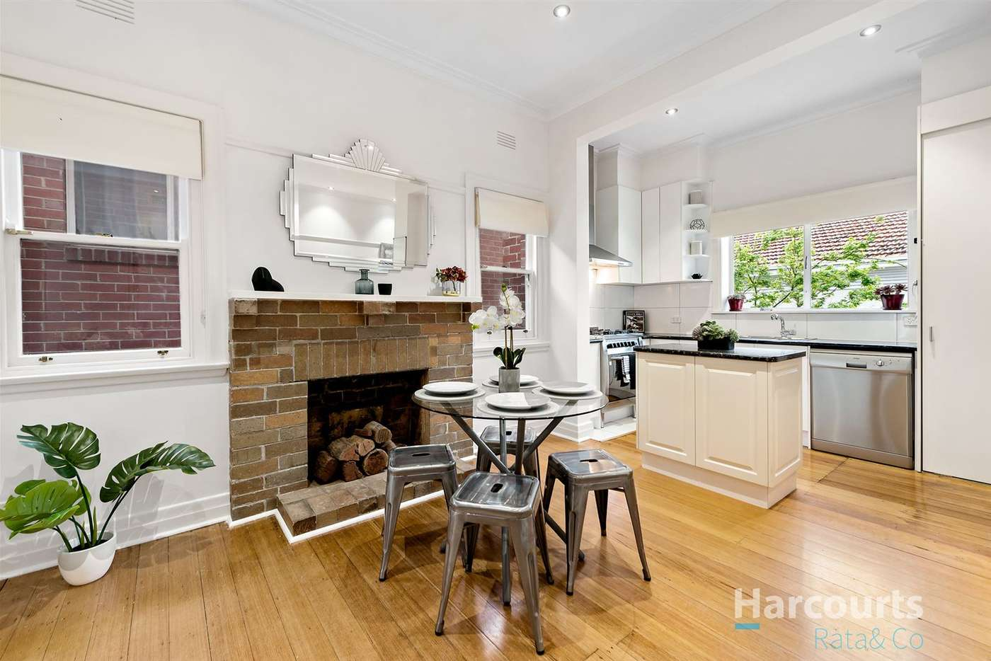 Main view of Homely unit listing, 2/43 Marshall Street, Ivanhoe VIC 3079