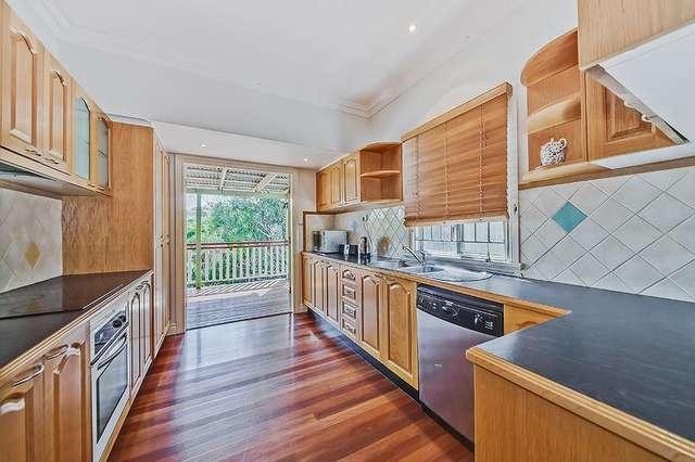 160 Macrossan Avenue, Norman Park QLD 4170