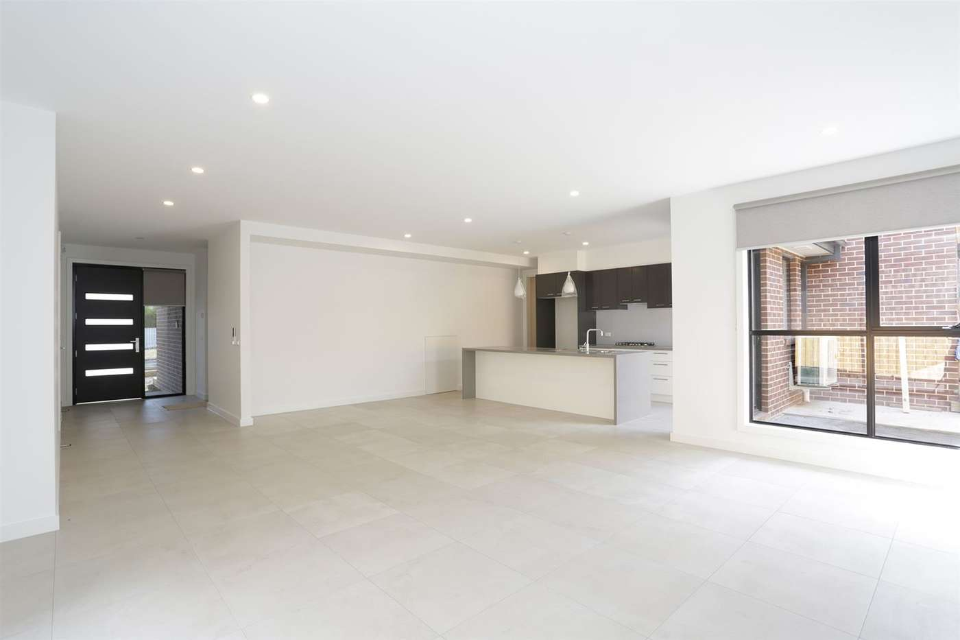 Main view of Homely townhouse listing, 2/30 Winmalee Drive, Glen Waverley, VIC 3150