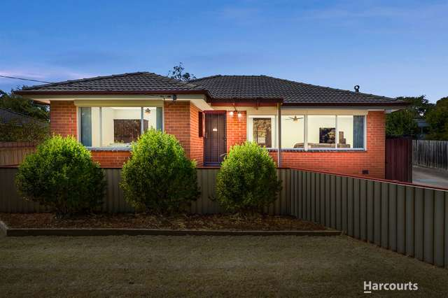 17 Yvonne Avenue, Croydon South VIC 3136