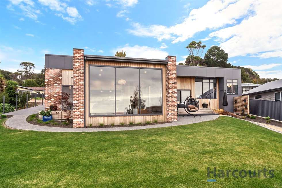 12A Seaside Crescent, Penguin TAS 7316