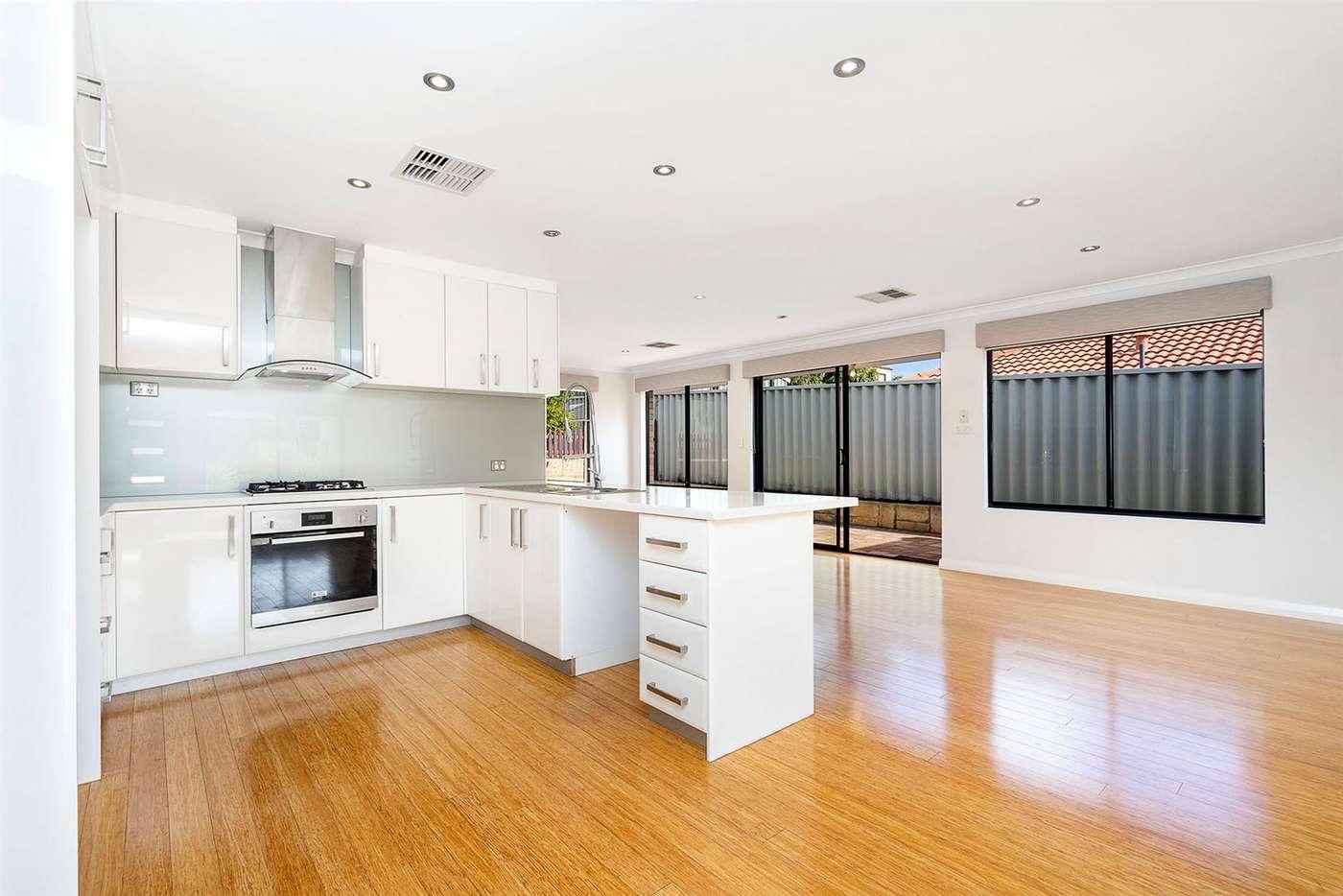 Sixth view of Homely house listing, 16 Suntree Mews, Beeliar WA 6164