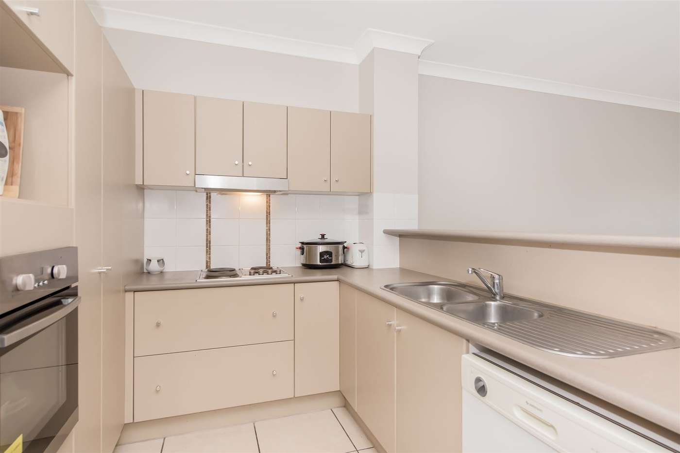 Seventh view of Homely unit listing, 17/16 Martinez Avenue, West End QLD 4810