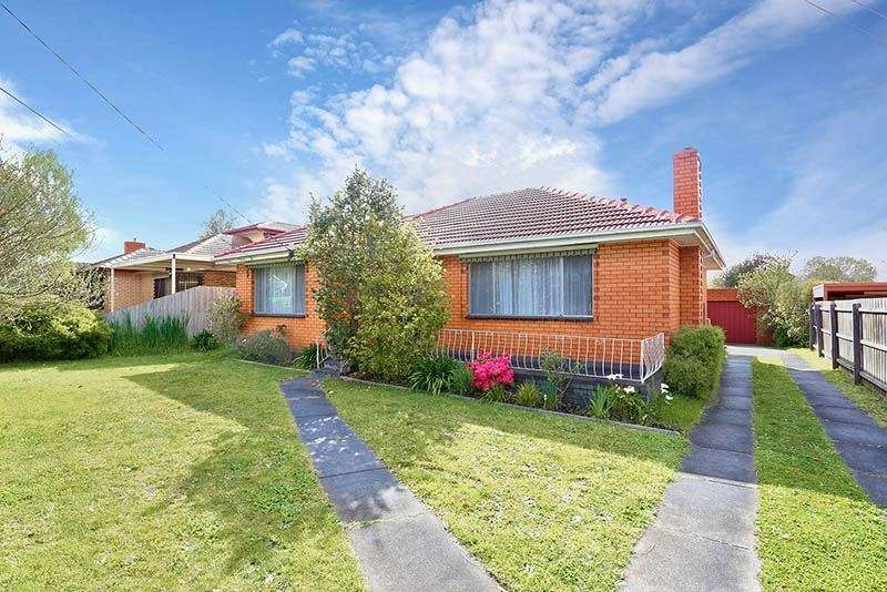 Main view of Homely house listing, 136 Watsons Road, Glen Waverley, VIC 3150