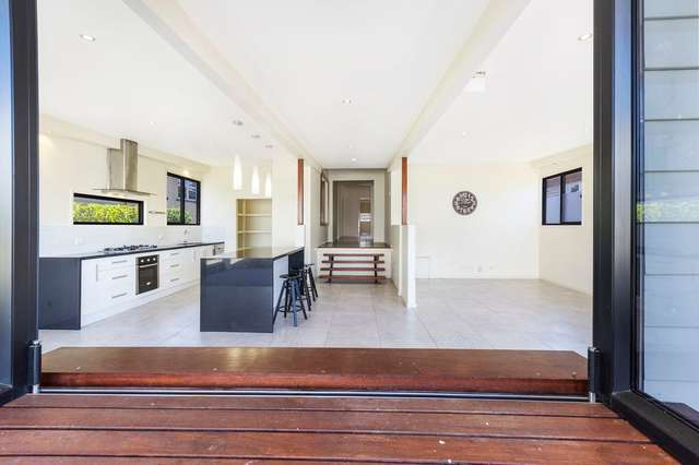 115 Bennetts Road, Norman Park QLD 4170