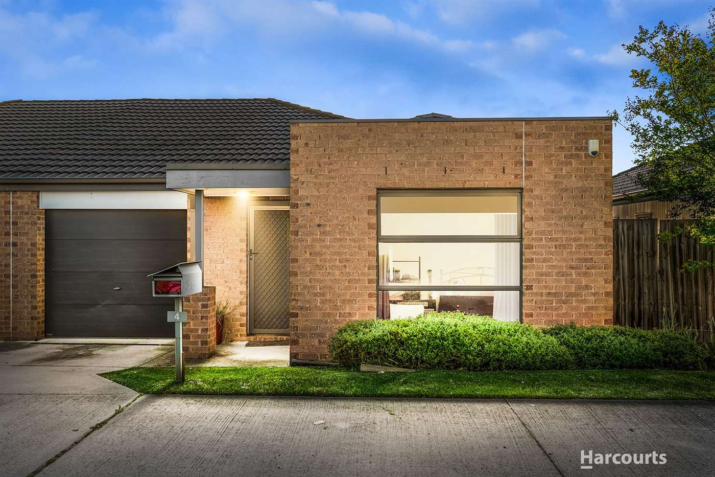 Main view of Homely unit listing, 4/11 Brunnings Road, Carrum Downs, VIC 3201