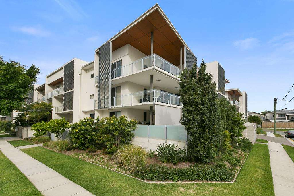 Main view of Homely unit listing, 15/18 Barramul Street, Bulimba, QLD 4171