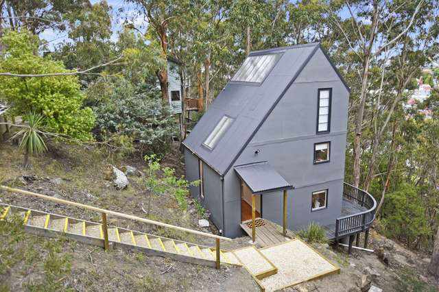 31 Liverpool Crescent, West Hobart TAS 7000