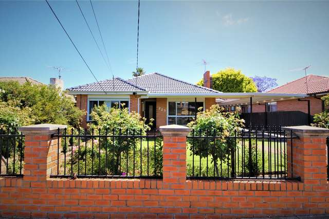 223 Military Rd, Avondale Heights VIC 3034