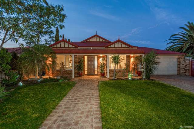 4 Newmarket Retreat, Currambine WA 6028