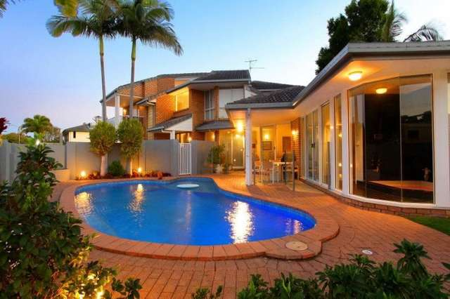 2 Biggs Place, Southport QLD 4215
