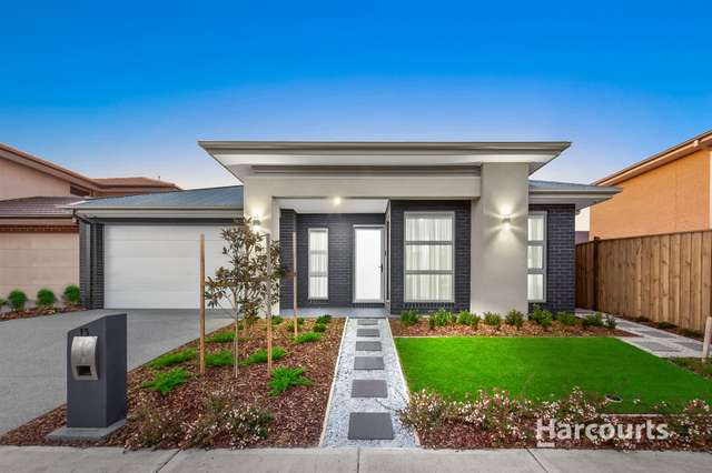 13 Carnaby Grove, Burnside VIC 3023