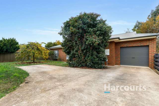 2/2 Somerset Crescent, Mansfield VIC 3722
