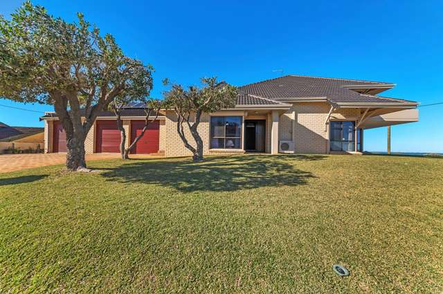 18 Warnbro Beach Road, Safety Bay WA 6169