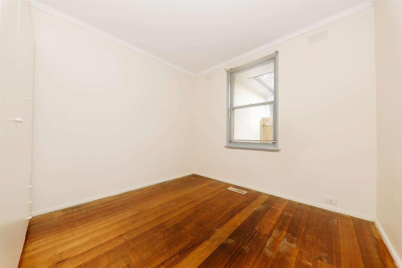 Seventh view of Homely unit listing, 1/5 Kuebler Street, Glen Waverley VIC 3150
