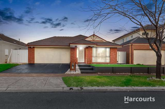 13 Hunts Cross Way, Caroline Springs VIC 3023