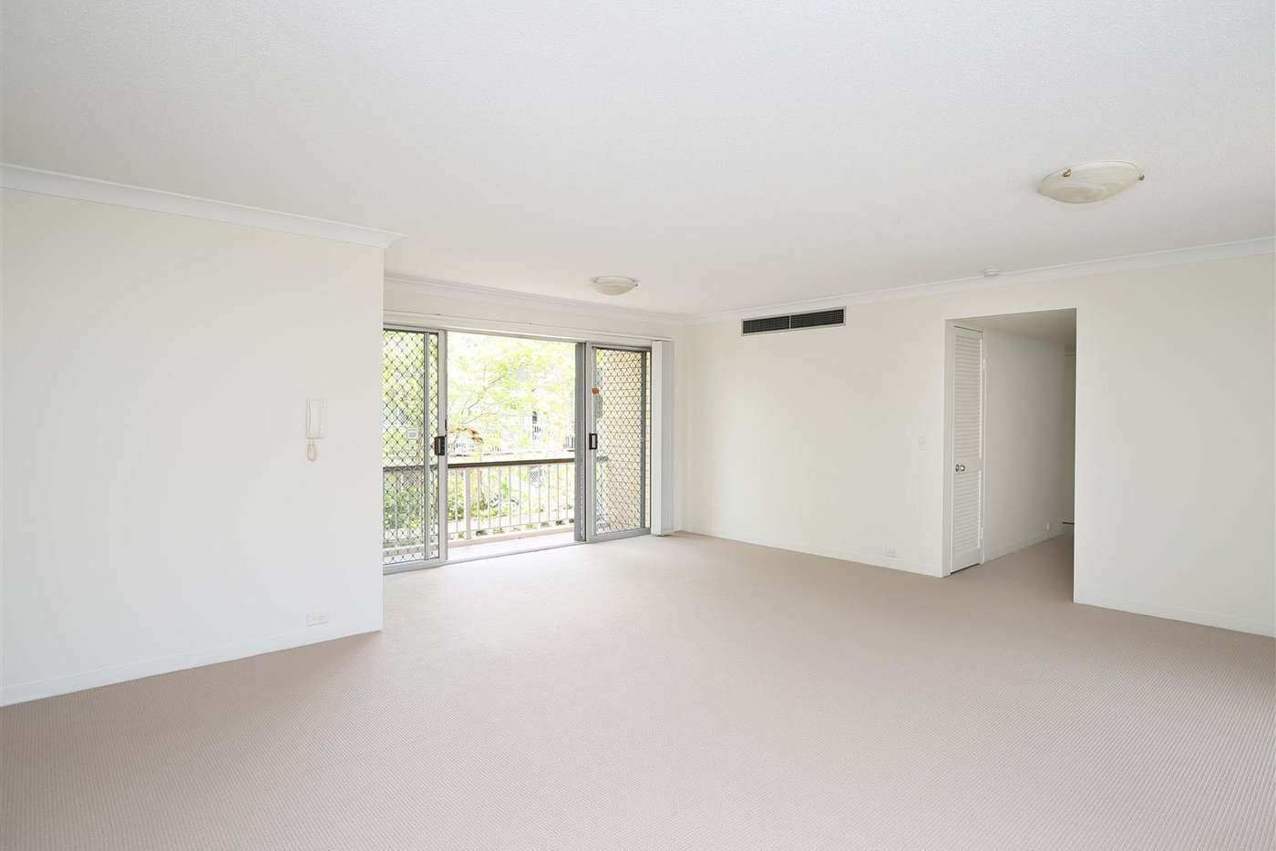 Sixth view of Homely unit listing, 2/260 Kingsford Smith Drive, Hamilton QLD 4007