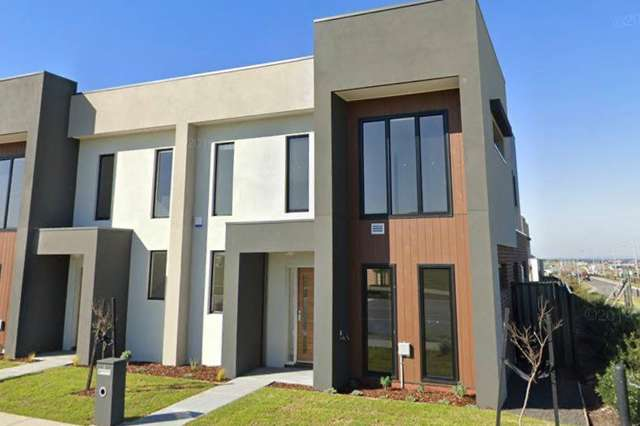 5 Balmoor Terrace, Clyde North VIC 3978