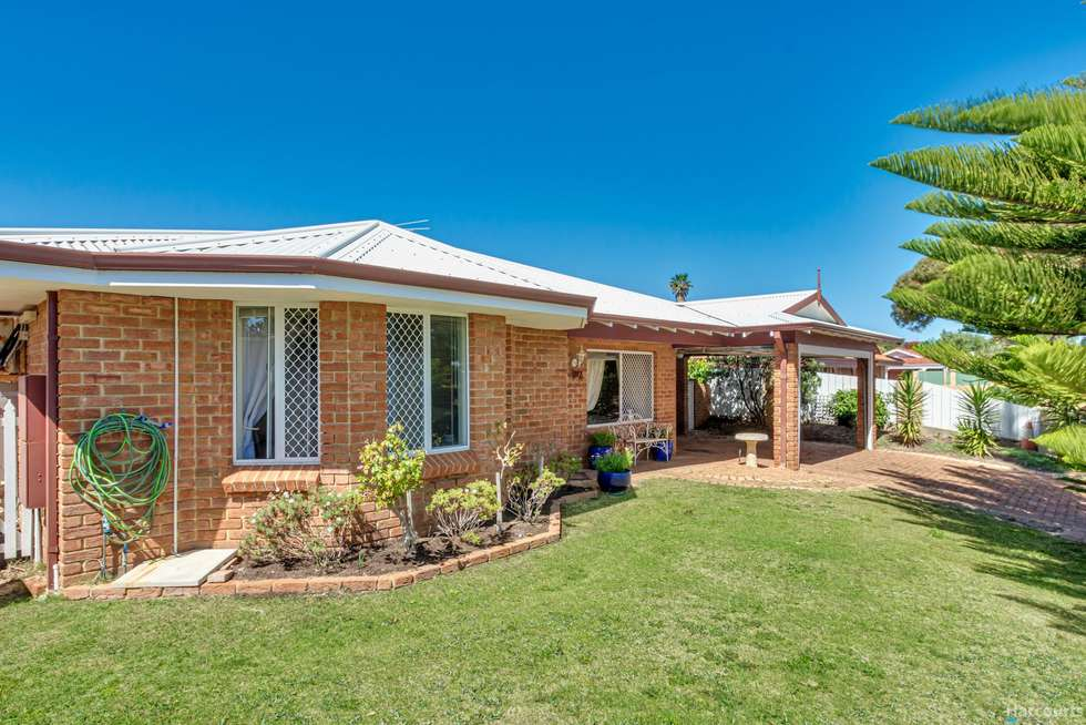 Second view of Homely house listing, 4 Lapwing Rise, Currambine WA 6028