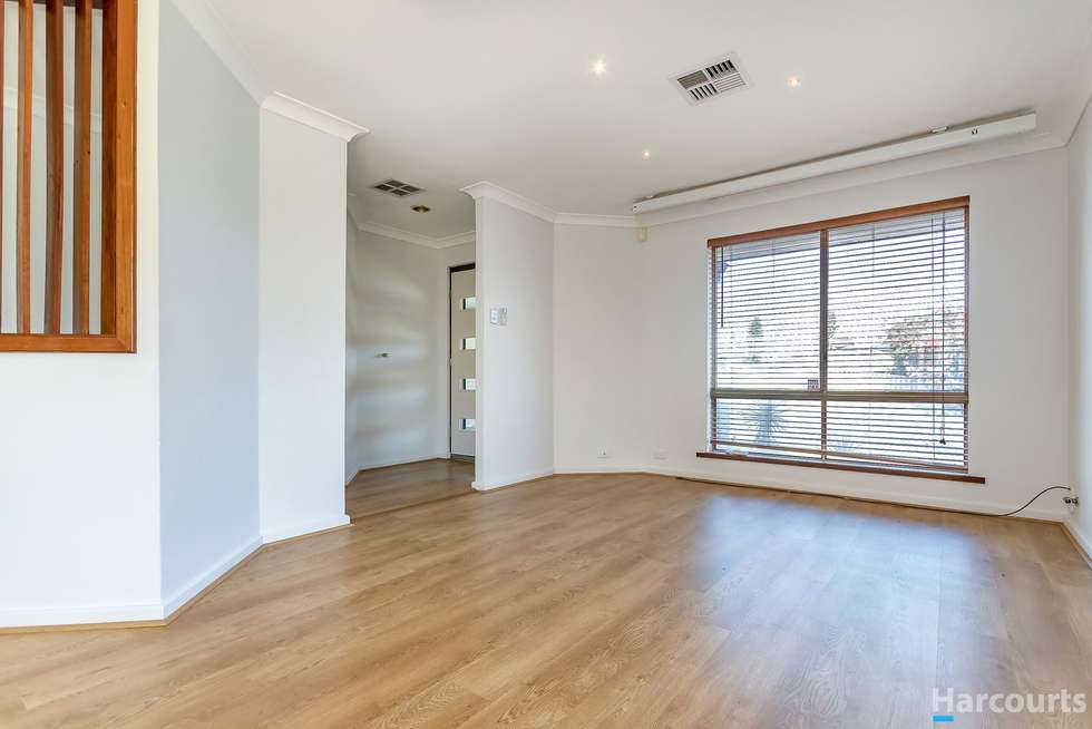 Fourth view of Homely house listing, 1 Isdell Place, Heathridge WA 6027