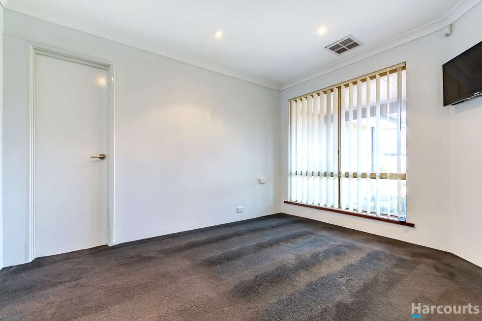 Fifth view of Homely house listing, 1 Isdell Place, Heathridge WA 6027