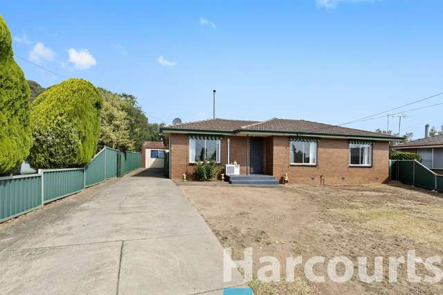 6 Paragon Court, Wendouree VIC 3355