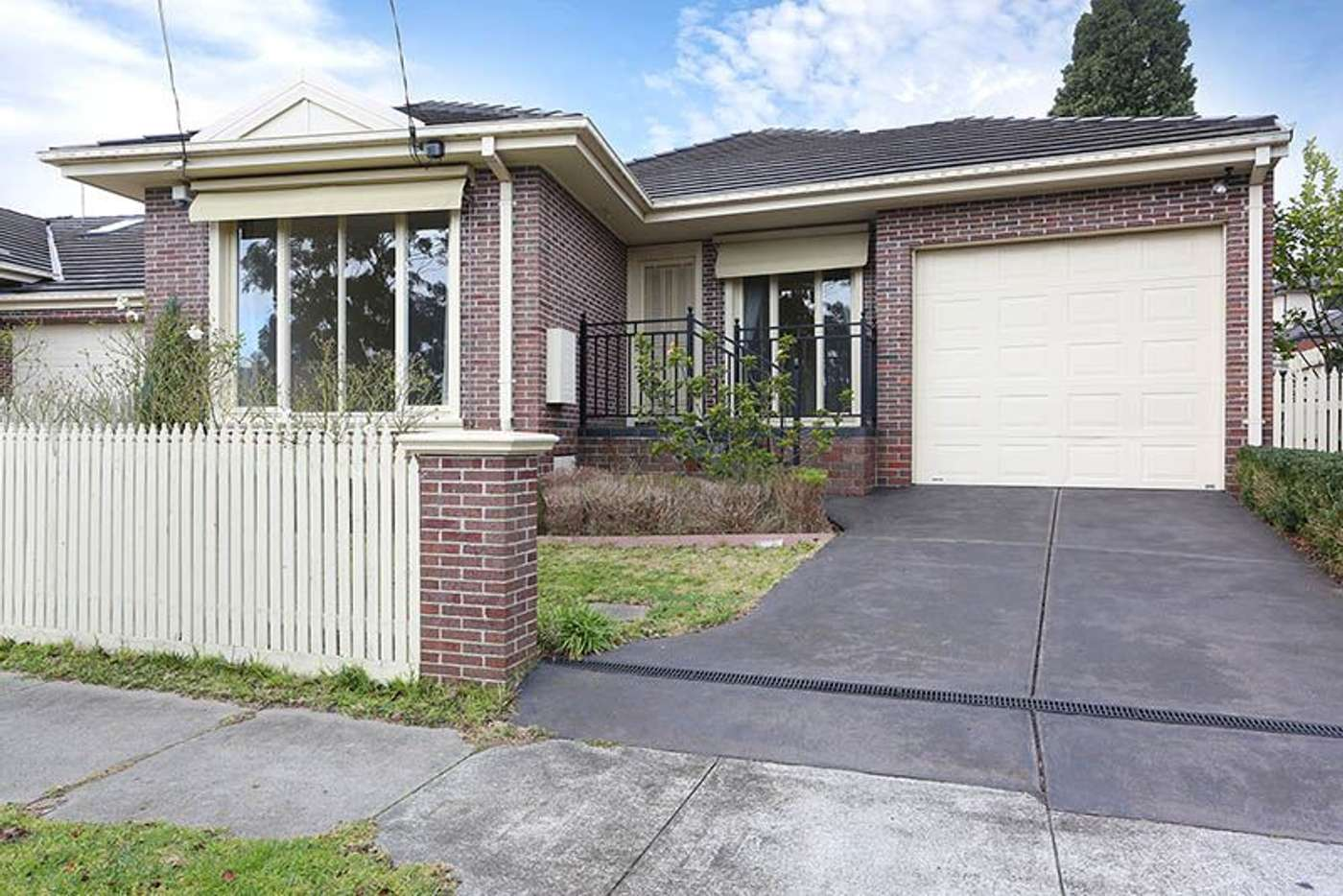 Main view of Homely unit listing, 2/51 Summit Crescent, Glen Waverley VIC 3150