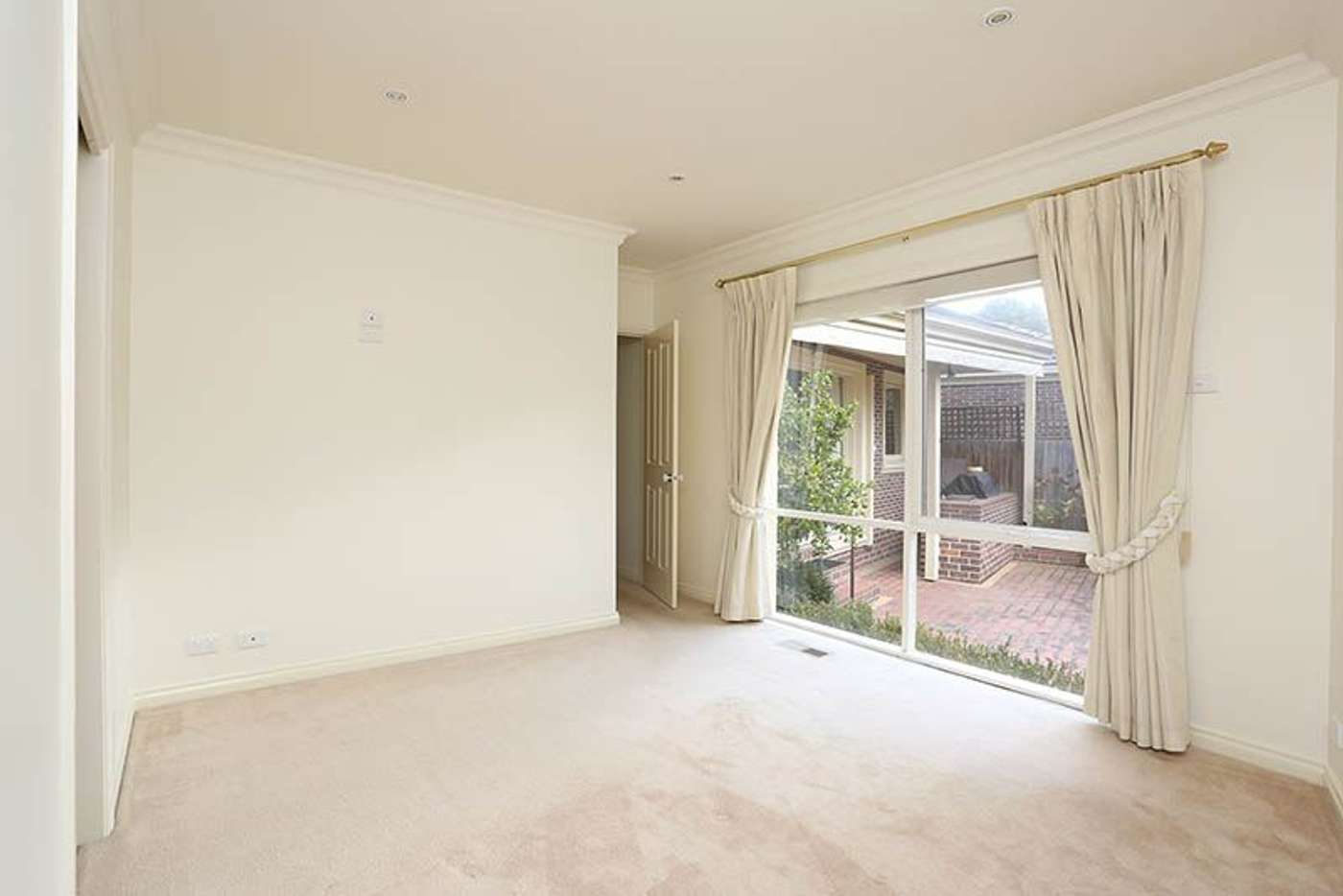 Sixth view of Homely unit listing, 2/51 Summit Crescent, Glen Waverley VIC 3150