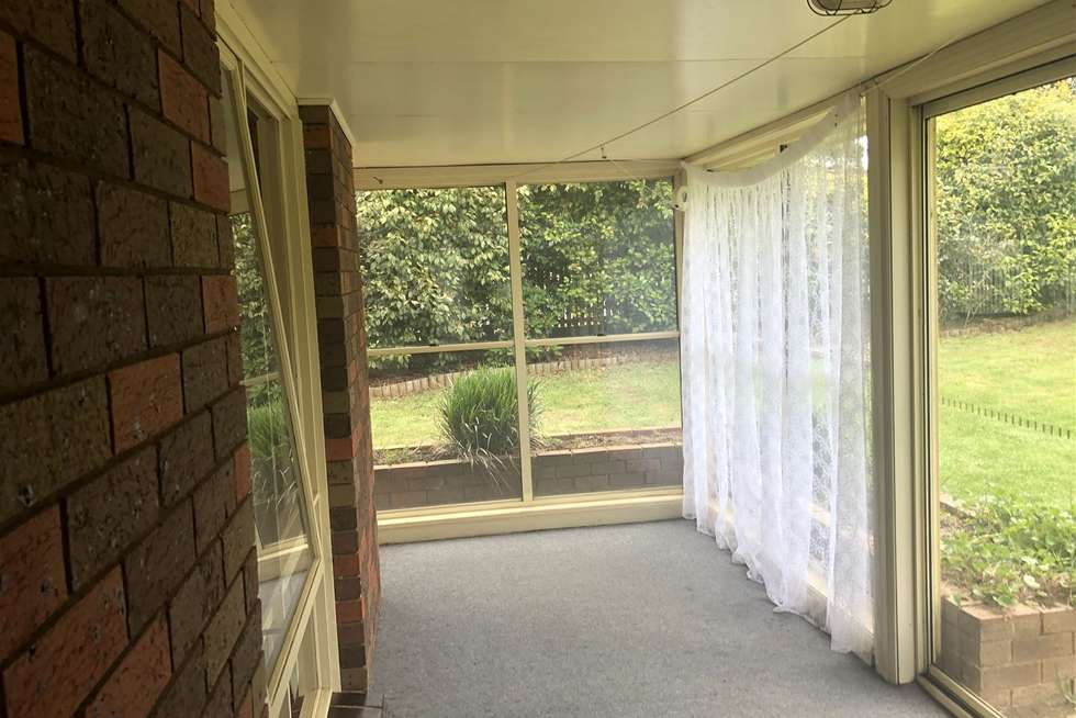 Fifth view of Homely house listing, 1 Floris Avenue, Drouin VIC 3818