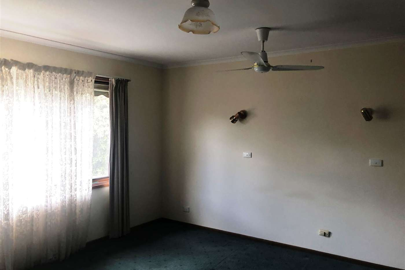 Sixth view of Homely house listing, 1 Floris Avenue, Drouin VIC 3818