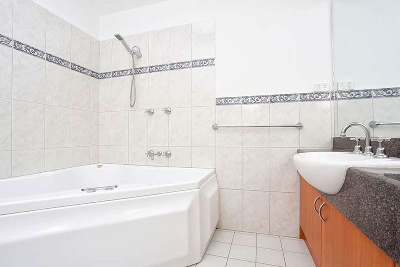 Seventh view of Homely townhouse listing, 1/102 Blackburn Road, Mount Waverley VIC 3149