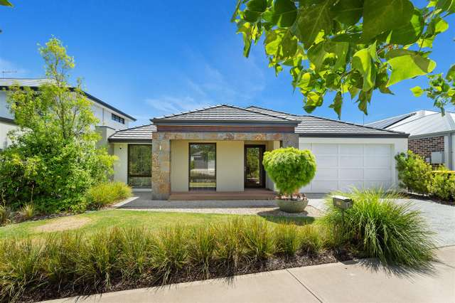 19 Serpentine Drive, South Guildford WA 6055