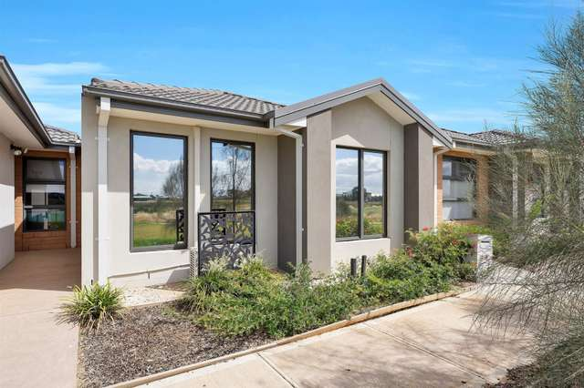 5 Amberfish Walk, Tarneit VIC 3029