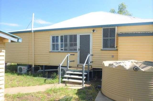 3 Moore Street, Dirranbandi QLD 4486