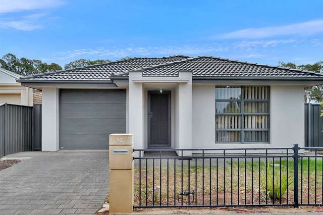 25 Chateau Avenue, Andrews Farm SA 5114