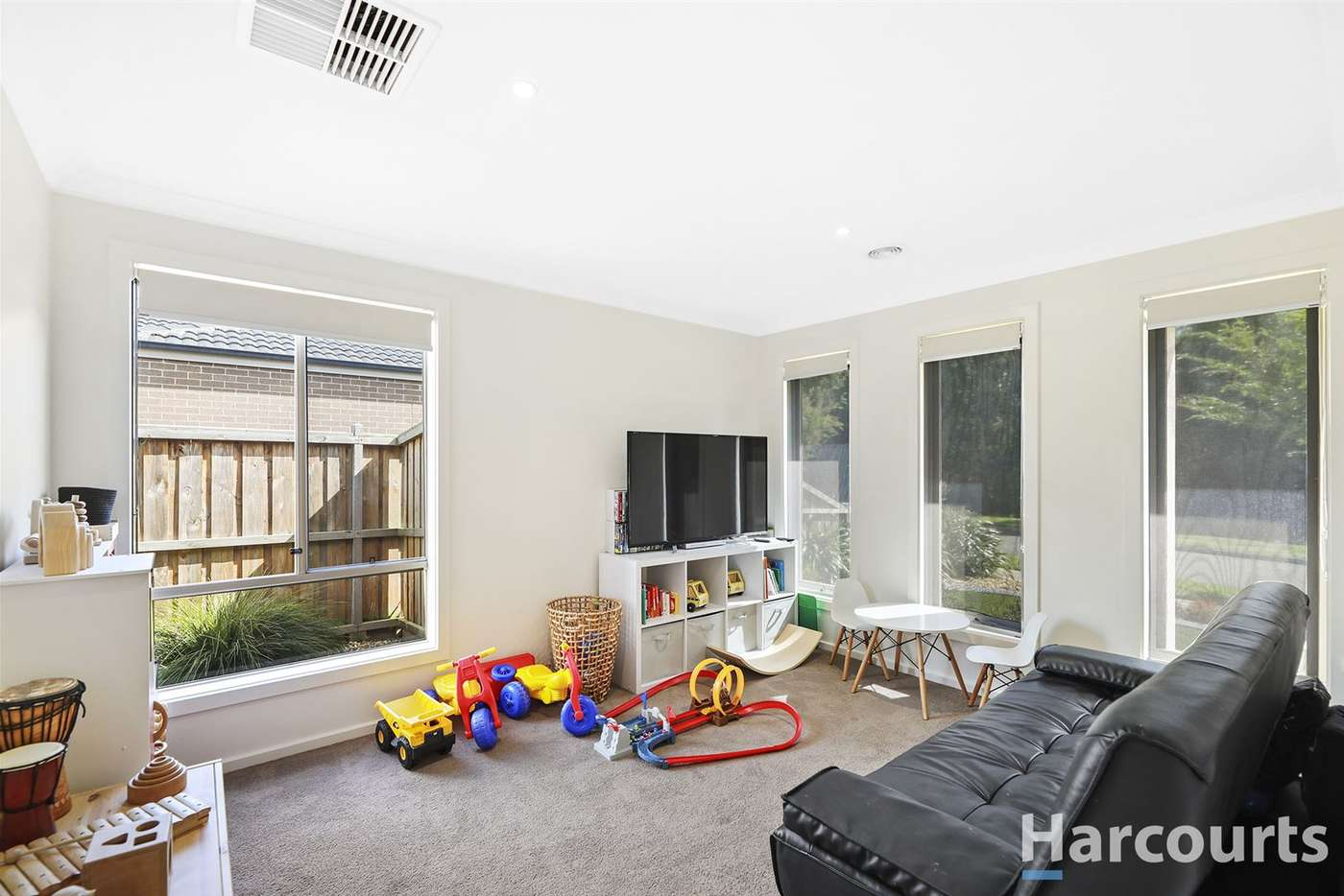 Fifth view of Homely house listing, 34 Nickell Court, Drouin VIC 3818