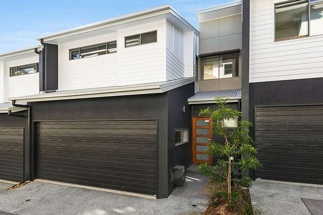 2/51 Railway Parade, Norman Park QLD 4170