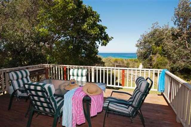 10 Mitchell Parade, Mollymook NSW 2539